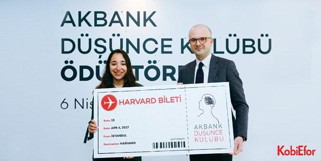 Akbank Düşünce Kulübü Üyeleri 'Y kuşağı' bankasını tasarladı