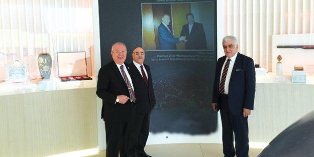 Azerbaycan'da Haydar Aliyev Merkezi