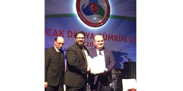 DHL Express Türkiye'ye Liyakat Ödülü