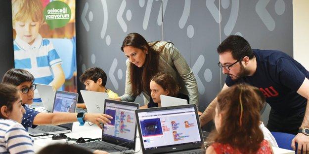 Garanti Bankası ve Bahçeşehir Üniversitesi'nden kodlama eğitimi