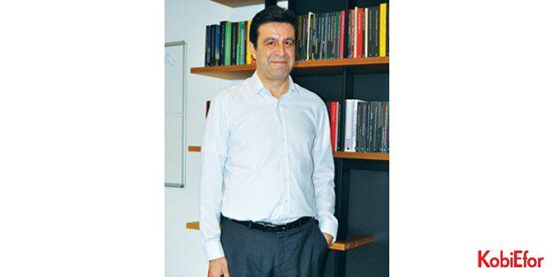 """İstanbul Bilgi Üniversitesi Rektör Vekili Prof.Dr. M. Ege Yazgan: 'Bütçe açığı için kemer sıkmaya gerek yok"""""""