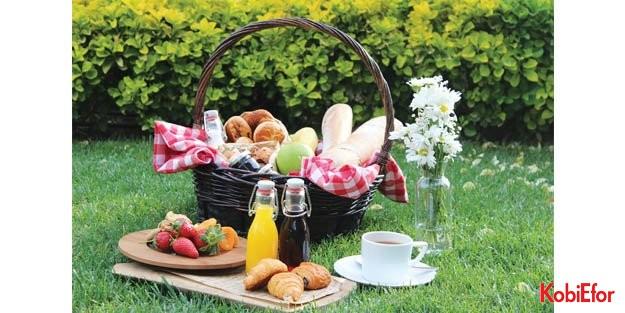 Şehrin ortasında annenize özel piknik keyfi