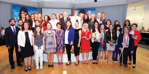'Teknolojinin Kadın Liderleri'ne ödül