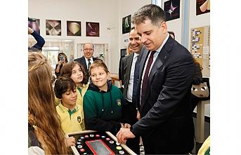 QNB Finansbank Tales Matematik Müzesi Gezici TIR'ı çocuklarla buluşuyor
