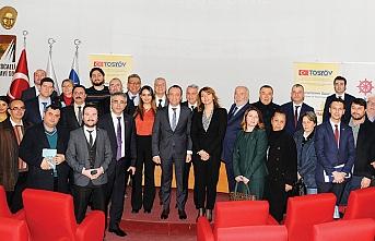 TOSYÖV, KOSGEB, KGF ve Kocaeli Sanayi Odası işbirliğiyle yapılan toplantıyla;KOBİ destekçileri Kocaeli'deydi