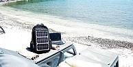 Sırt çantanızdaki panelleriniz güneşle dolsun!