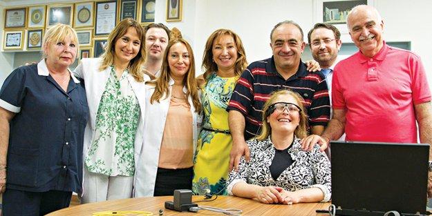 Türkiye'nin İlk Biyonik Göz Ameliyatı Dünyagöz'de yapıldı