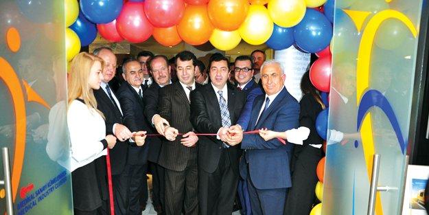 Türkiye'nin ilk medikal showroomu OSTİM'de açıldı