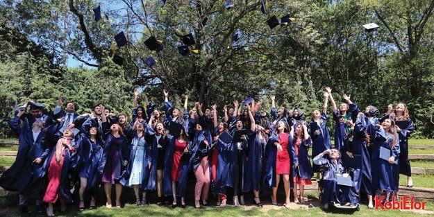 Yapı Kredi MEF işbirliği mezunlarını verdi