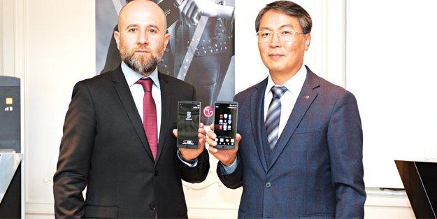 Yeni LG V10, görücüye çıktı