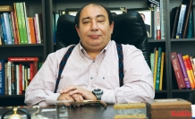 """Prof.Dr. Ömer Faruk Çolak: """"Krizde dibi geride bırakmadık"""" """"Ekonomi ve politik çıpa AB olmalıdır"""""""