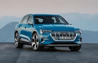 Audi'nin ilk tam elektrikli modeli olan e-tron'a,...