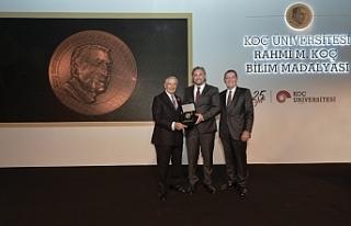 Koç Üniversitesi Rahmi M. Koç Bilim Madalyası'nın...