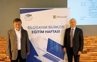 Microsoft ve Türkiye Bilişim Vakfı'ndan gençler...