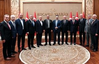 """""""Önce Türkçe Projesi""""ne destek veren Kocaeli..."""