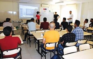 Suriyeli gençlerin mesleki eğitimine BAYOSB desteği