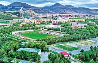 Atatürk Üniversitesi 62 yıllık tecrübenin izindegeleceğe...
