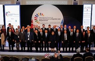 Türkiye ve dünyadan belediye başkanları Gaziantep'te...