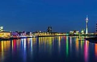 Almanya'nın ekonomi merkezi; Kuzey Ren-Vestfalya...