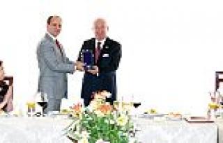Arnavutluk Cumhurbaşkanı'ndan Dr. Akkan Suver'e...