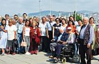 EWE Enerji çalışanları Maltepe Huzurevi sakinleriyle...