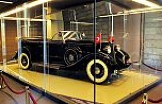 İş Bankası'ndan Atatürk'ün otomobillerinin...