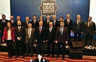 MÜSİAD Bilim ve Teknoloji Ödülleri sahiplerini...