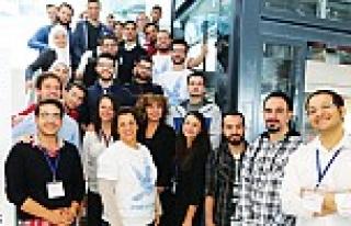 SAP'tan mültecilere kod eğitimi