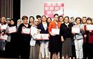 TeknoSA ile 8 yılda 15 bin kadın teknolojiyi öğrendi