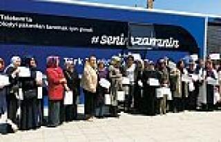 Türk Telekom gezici eğitim tırı İstanbul'a...