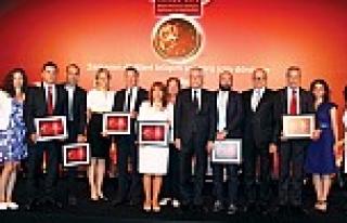 """""""Türkiye'nin İlk 500 Bilişim Şirketi""""..."""
