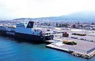 U.N. Ro-Ro, Yunanistan'ın Patras Limanı'na sefere...