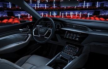 Araç içi eğlencede son nokta: Audi'den araç içi sinemasistemi