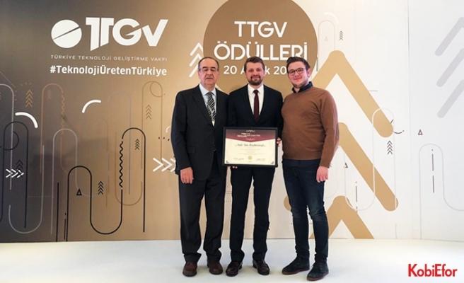 Zade Vital Genel Müdürü Taha Büyükhelvacıgil'e, TTGV'den ödül