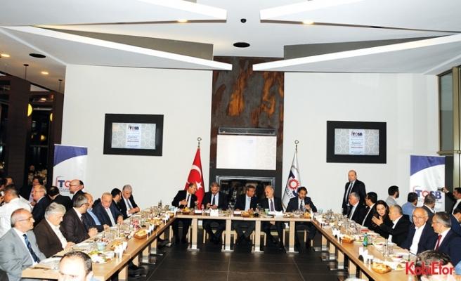 İstanbullu sanayiciler İstanbul Tuzla OSB'nin iftar yemeğinde bir araya geldi