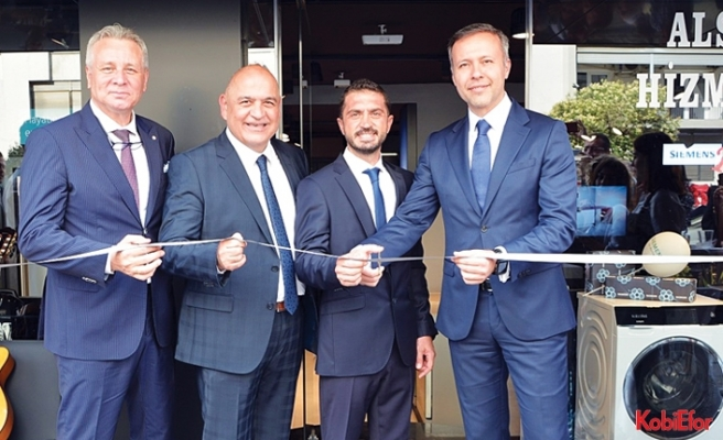 Siemens'in İzmir'deki ilk 'deneyim'mağazası açıldı