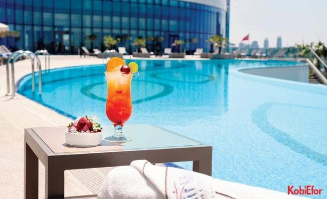Elite World açık havuzlarıyla tatil keyfine devam