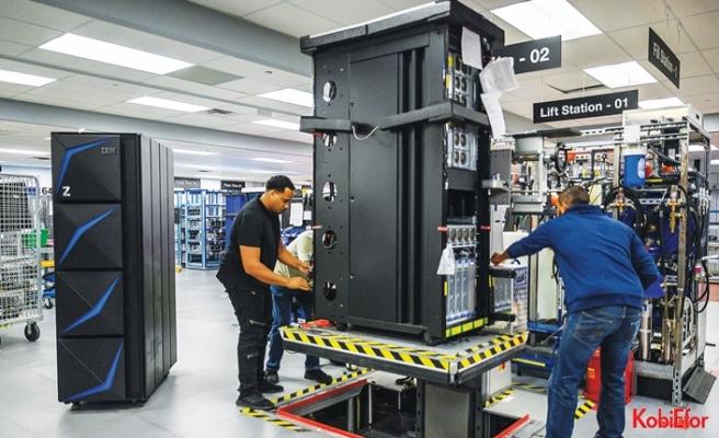 Veri gizliliği yeteneğine sahip IBM z15