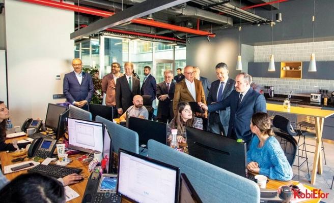 Sanayi ve Teknoloji Bakanı Mustafa Varank,BÜDOTEK'i ziyaret etti