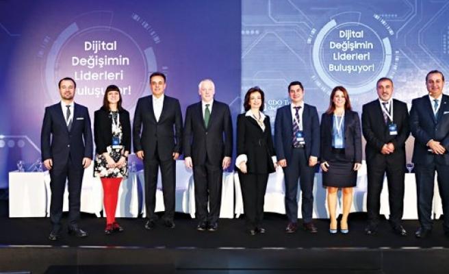 Dijital değişimin liderleri buluştu
