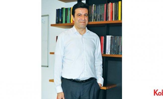 """İstanbul Bilgi Üniversitesi Rektör Vekili Prof.Dr. M. Ege Yazgan: """"Bütçe açığı için kemer sıkmaya gerek yok"""""""