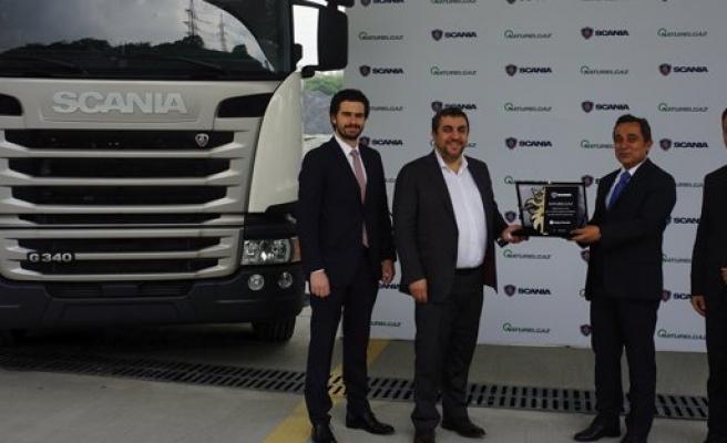 Naturelgaz, Scania'dan Türkiye'nin ilk CNG'li çekicisini aldı