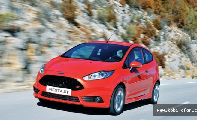 Performans, tasarım ve verimlilik: Ford Focus ST ve Fiesta ST
