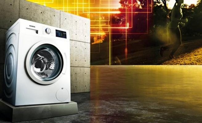 """Siemens'ten Yeni Multitouch """"iDos"""" akıllı dozaj sistemli çamaşır makinesi"""