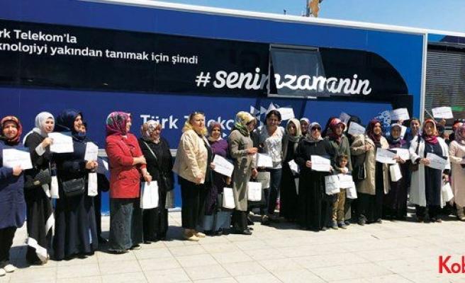 Türk Telekom gezici eğitim tırı İstanbul'a geldi