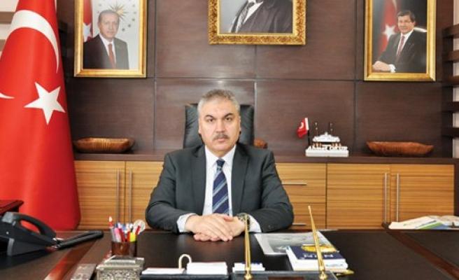 Uşak Valisi Ahmet Okur