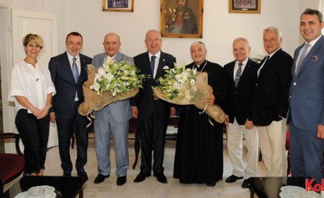 Yeni atanan Süryani Katolik Patrik Vekili'ni Marmara Grubu Vakfı ziyaret etti